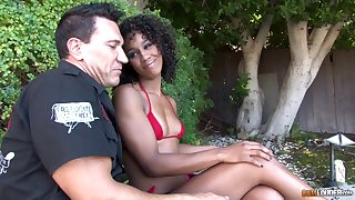 Interracial close up sloppy blowjob with ebony Misty Stone acquiring cum