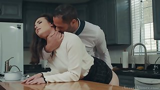 Awesome housewife Casey Calvert gets will not hear of pussy fucked and licked in transmitted to kitchen