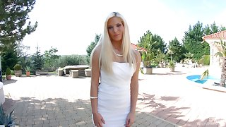 Glamorous Hungarian babe Candee Licious is playing with G-spot vibrator