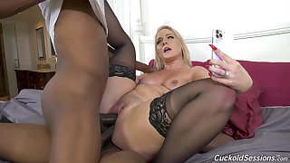 Perfect display of mommy descending black and fucking at hand DP